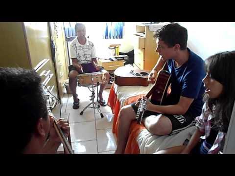 Sou Estrangeiro Aqui! Versao- Adriano Violao, Marcio Guitarra, Leandro Caixa, Bianca Vocal! video