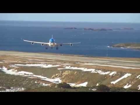 Impresionante aterrizaje de un avión de Aerolíneas con viento cruzado en Ushuaia