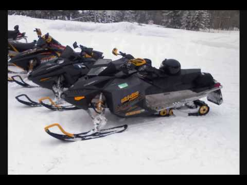 skidoo race XP vs REV