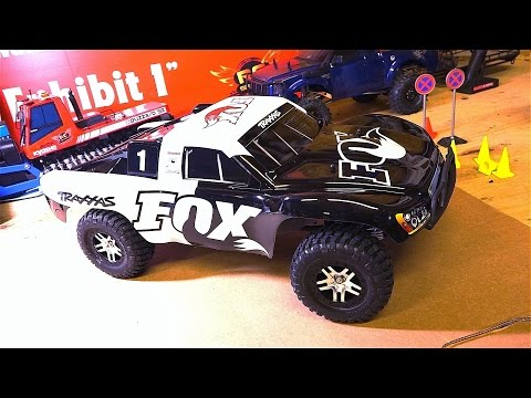 RC ADVENTURES - Unboxing a Traxxas Slash 4x4 FOX Edition 2.4GHz 1:10 RTR Brushless Electric RC Truck