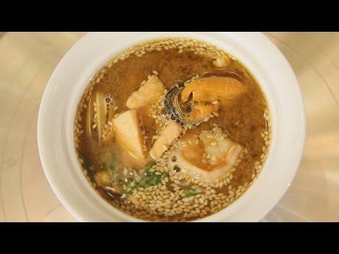 Мисо-суп с морепродуктами. Японская кухня. Рецепт от шеф-повара.
