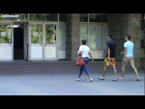 Referendum 2012: Aşa se votează la Chişinău