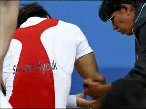 Sa Jae-hyouk dislocates elbow in London Olympics' most gruesome injury