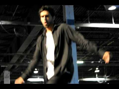 HARMAN BAWEJA FROM CANADA PERFORMING SOME MICHAEL JACKSON DANCES BY WWW.DESIMAG.CO.UK