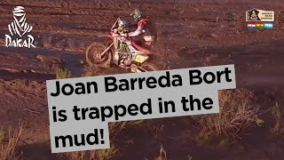 Stage 8 - Top moment: Joan Barreda Bort is trapped in the mud! - Dakar 2017