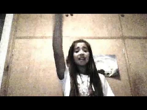 Chica cantando Violetta (TODAS LAS CANCIONES)