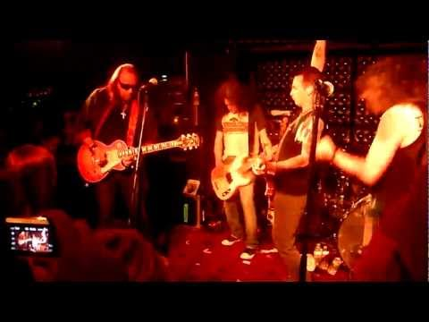 Flight To Mars feat. Ace Frehley and Mike McCready - Black Diamond (Kiss) - Casbah - 5.15.12