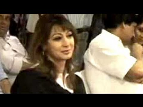 Union Minister Shashi Tharoor's Wife, Sunanda Pushkar Tharoor, Found Dead video