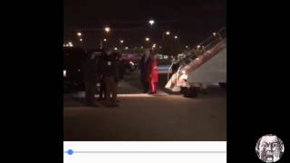 Bill Clinton helps stumbling Hillary into her car (close up)