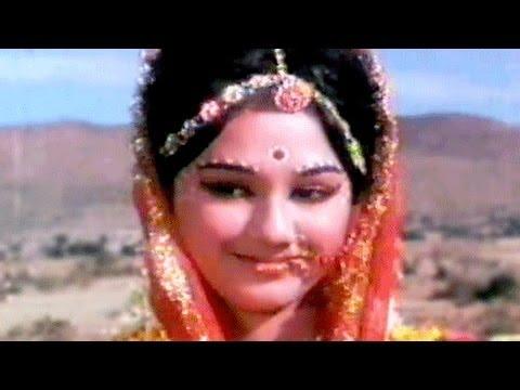 Meri Banno - Asha Bhosle Usha Mangeshkar Ek Gaon Ki Kahani Song...