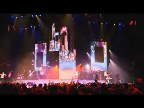 [DVD] Miley Cyrus - Let's Get Crazy - Live at The O2 Arena HD [1080p]