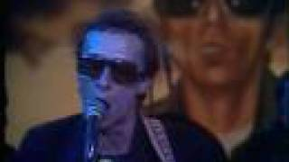 Watch Graham Parker Back To Schooldays video