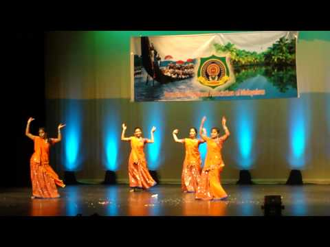 Sargam Onam 2012 Dhum Dhum Dooreyetho and Chanthu Thottile dance...