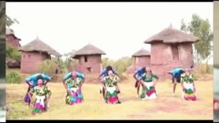 Yehunie Belay - Bezemen Mebacha በዘመን መባቻ * New Ethiopian Music 2017