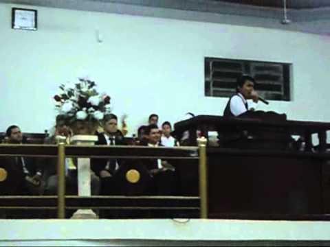 Rafael Teixeira cantando ''A Ultima Palavra'' em Cuiaba-MT