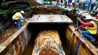 SINCE 1957 THIS NEW CAR WAS LYING UNDERGROUND. IT WAS DUG UP ONLY 50 YEARS LATER!