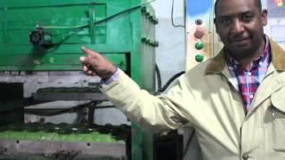 Máquina de EVA en prensa con nueva tecnología para hacer suelas y sandalia
