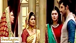 Swaragini 24th August 2016 EPISODE | Adarsh THROWS Maheshwari family out of the house