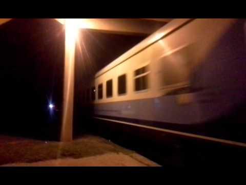Tren de pasajeros de Nuevos Ferrocarriles Argentinos rumbo a Buenos Aires