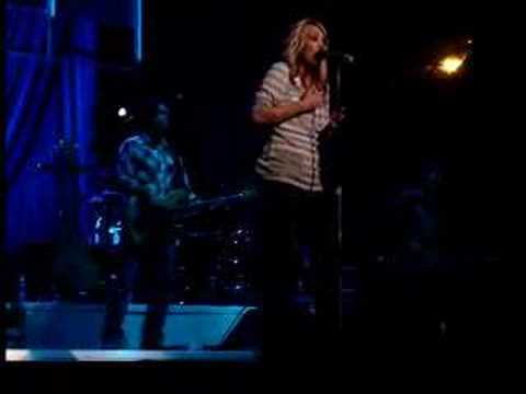 So Small Carrie Underwood Live