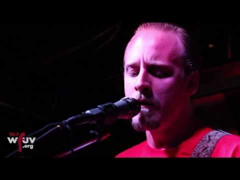 Deer Tick - The Curtain (Live @ Hill Country)