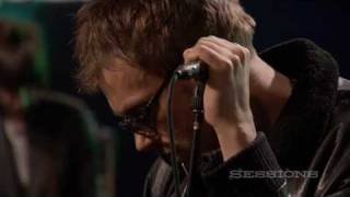 Gorillaz - On Melancholy Hill (Live on AOL Sessions)