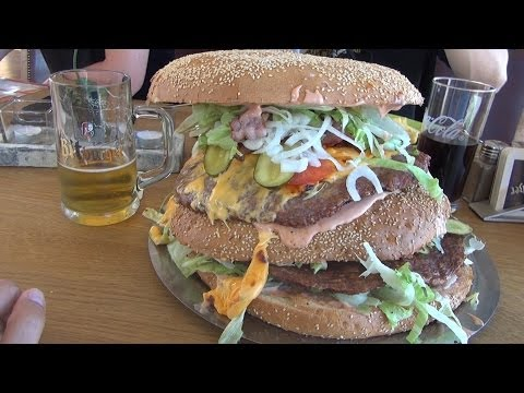 Mega Burger Xxxl I Giant Burger Xxxxl - Redo Xxl Berlin Vlog video