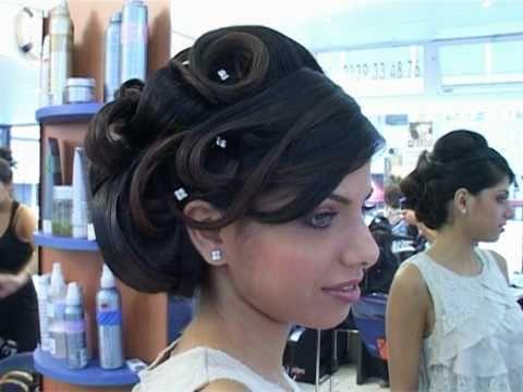 Lisa coiffure chignons classiques youtube for Salon hila9a