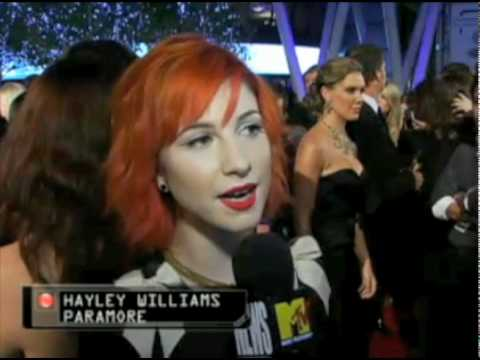 Hayley Williams PCA interview for MTV Video