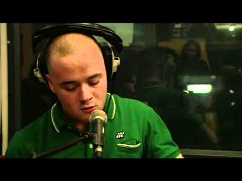 MAVERICK SABRE / CHRIS MOYLES - WONDERWALL (LIVE LOUNGE)