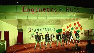 Despacito || Dil dooba || Boys Group Dance || Engineer's Day 2K18 || REC SONBHADRA