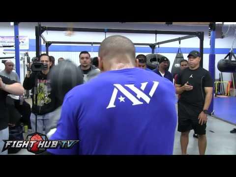 Andre Ward vs Edwin Rodriguez Ward hits the timing bag  shows jump rope game
