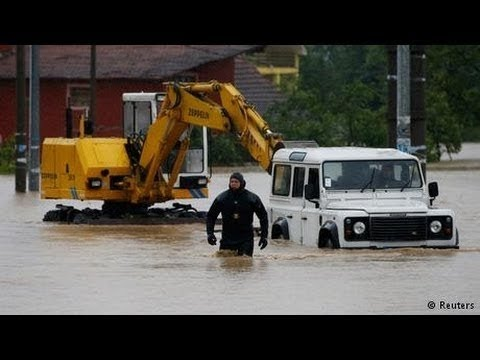 BOSNIA and SERBIA floods Bodies pulled from rivers | BREAKING NEWS - 17 MAY 2014
