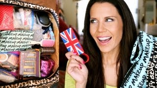 TRAVEL ESSENTIALS | Whats in My Suitcase