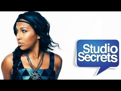 "Grammy Winner Melanie Fiona Performs ""4 AM"" Live in the Studio!"