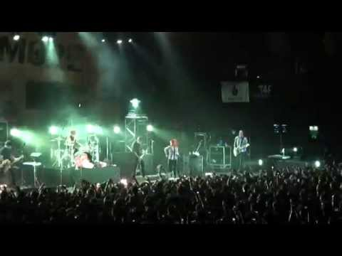 Paramore - Misery business (Live in Buenos Aires, Argentina   24-02-2011)