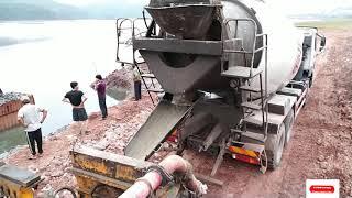 Xe trộn Bê tông và máy xúc làm việc ( Concrete mixer truck) |nhạc thiếu nhi| Kid Disney Studio
