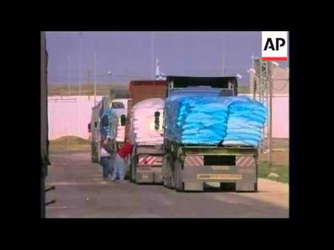 Libyan generator crosses border, Israeli trucks take supplies to Gaza