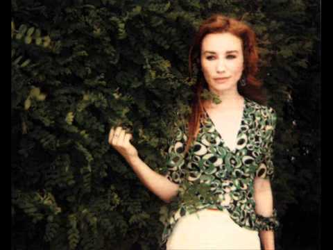 Tori Amos - A Happy Day