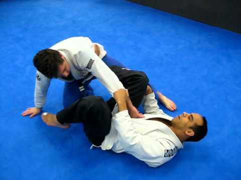 brazilian jiu jitsu cross guard to x-guard Image 1