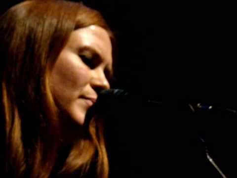 Juliana Hatfield - Shining On