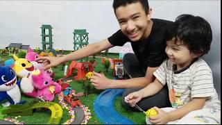 Baby Shark Pinkfong Fun Videos Pretend Play Plush Toys Challenge Dance Remix