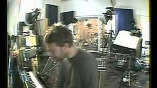 Watch Radiohead Unravel video