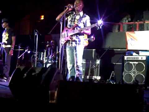 Macheso-tafadzwa Nyarara Bass Guitar.3gp video