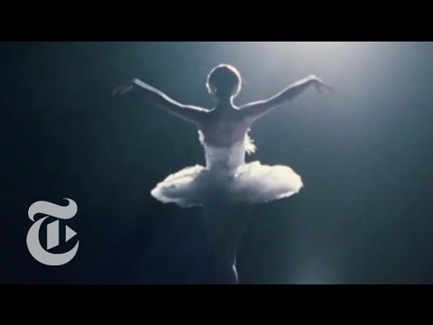 The Costumes of 'Black Swan'