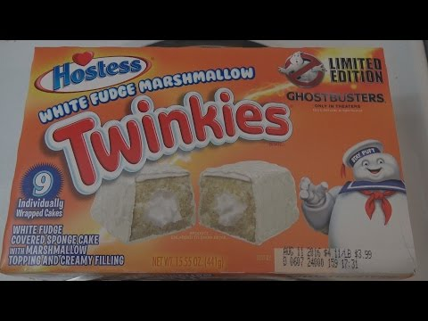 Ghostbusters White Fudge Marshmallow Twinkies Review - WE Shorts