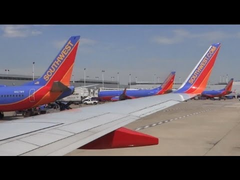 (HD) Southwest Airlines Boeing 737-700 Takeoff -- Chicago Midway Airport KMDW / MDW + Enroute to LAX