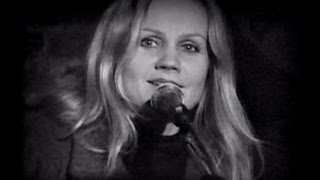 Watch Eva Cassidy Time After Time video