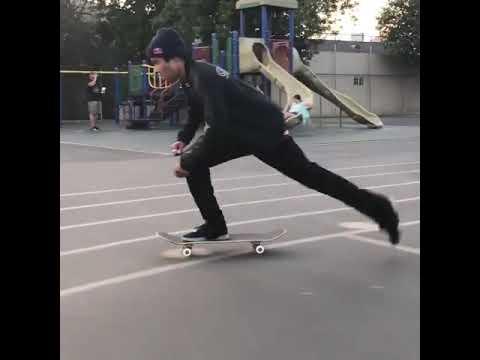 Cruising with @fgustavoo 🎄 🎥: @shaysandiford   Shralpin Skateboarding