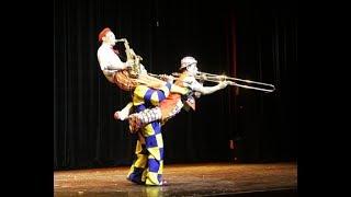 Vietnamcircrus: Xiếc hài bấm bụng cười